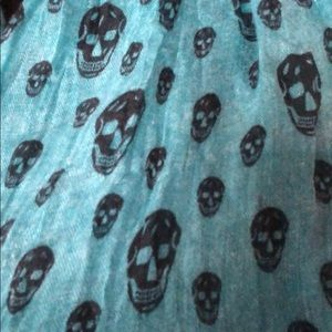 Nordstrom Accessories - Teal scarf with skull print